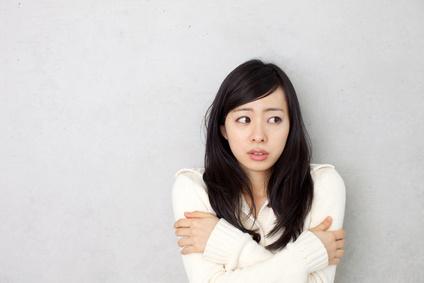 冷え性の辛い症状に悩む女性