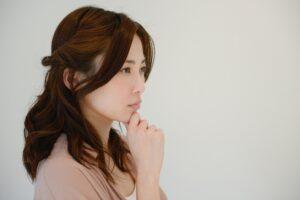 黄体機能不全の症状に悩む女性